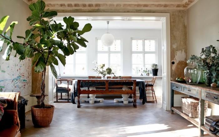 Home stories Malin Persson, stor sal, fiolfikusträd, skänk, matbord